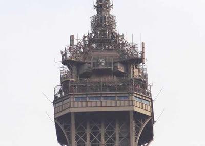 Salle de télécommunication Tour Eiffel - Eiffel Tower Telecommunication room - Telekommunikationsraum Eiffelturm